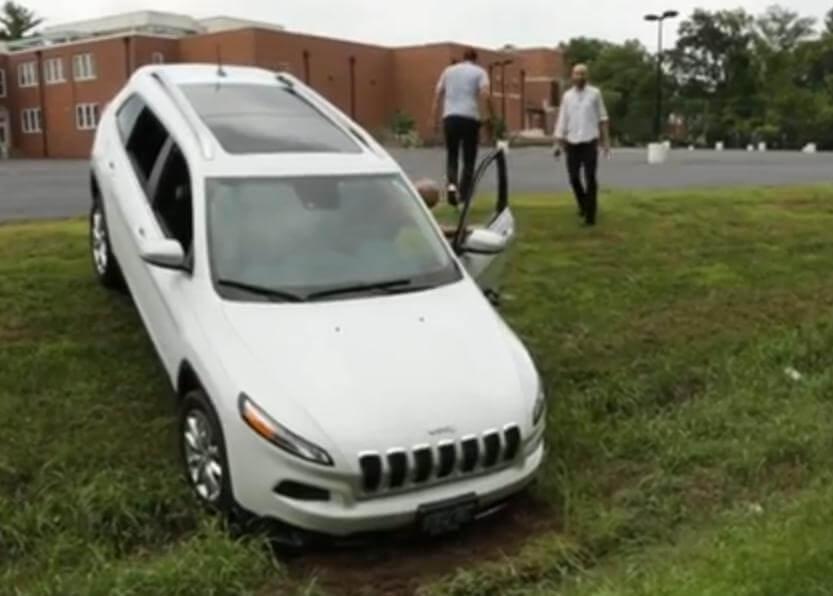 Взлом автомобиля Jeep