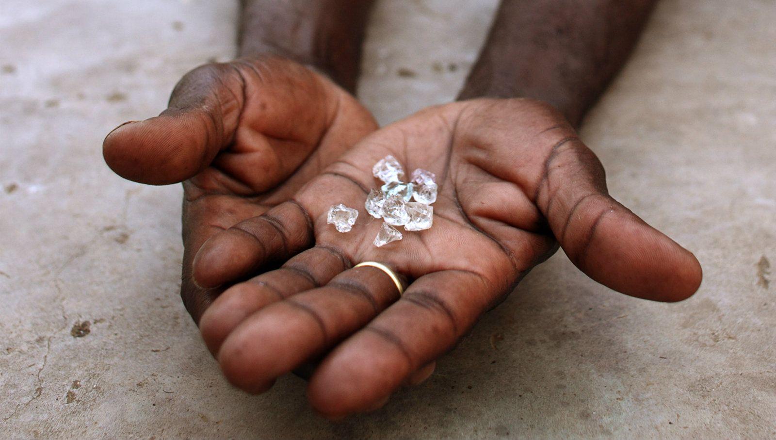незаконные бриллианты, бриллианты Латинской Америки, vigiljournal.com