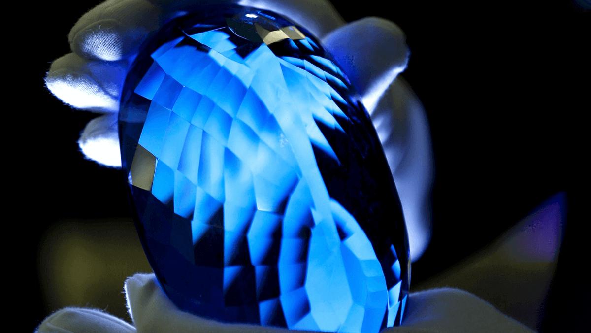 самый большой голубой топаз, бразильские сапфиры, vigiljournal.com
