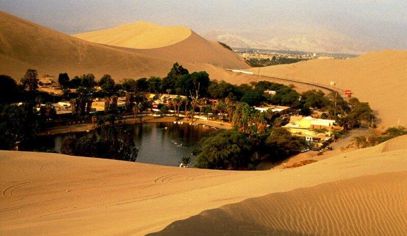 Oakachi Oasis, Peru