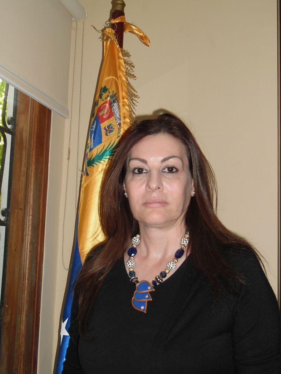 LA EMBAJADORA EXTRAORDINARIA Y PLENIPOTENCIARIA DEL ESTADO PALESTINO EN LA REPÚBLICA BOLIVARIANA DE VENEZUELA, Dra. LINDA SOBEH ALI