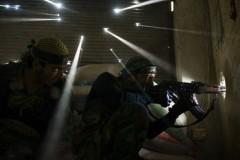 Снайперы в укрытии